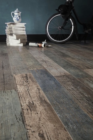 astonishing-porcelain-tile-looking-like-real-weathered-wood-4-thumb-autox944-51576