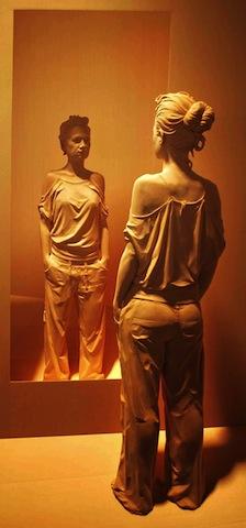 wooden-sculptures-peter-demetz-2